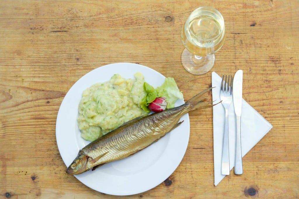 Brotzeitrenke - auch mit einem Glas Weisswein ein Genuss